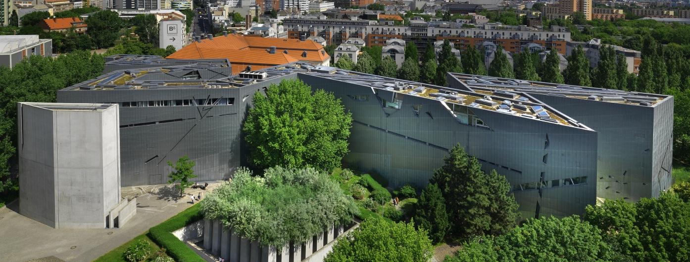 Libeskind Bau des Jüdischen Museum Berlin von oben